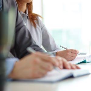Shadi Conseil des formations et ateliers pour vous aider à commercialiser vos hébergements, communiquer sur les réseaux sociaux et avec vos clients.